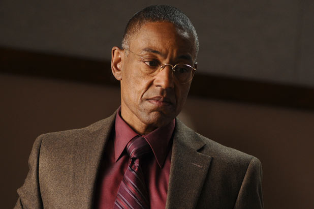 Giancarlo Esposito como Gus Fring, super vilão de Breaking Bad