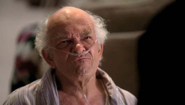 Mark Margolis como Héctor Salamanca ding ding ding!
