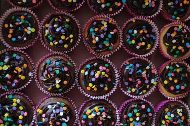 Encomenda giga de 100 cupcakes